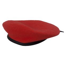 Берет форменный красный со швом.